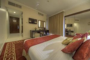 Suit Room (2)