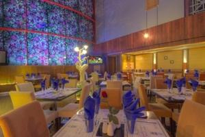 Maxim's Restaurant (2)