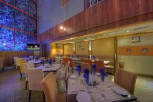 Maxim's Restaurant (4)
