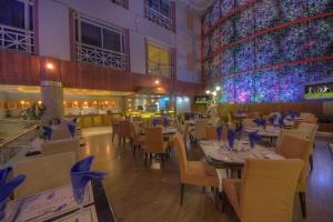 Maxim's Restaurant