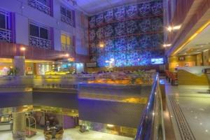 Maxim's Restaurant (3)