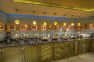Maxim's Restaurant (5)